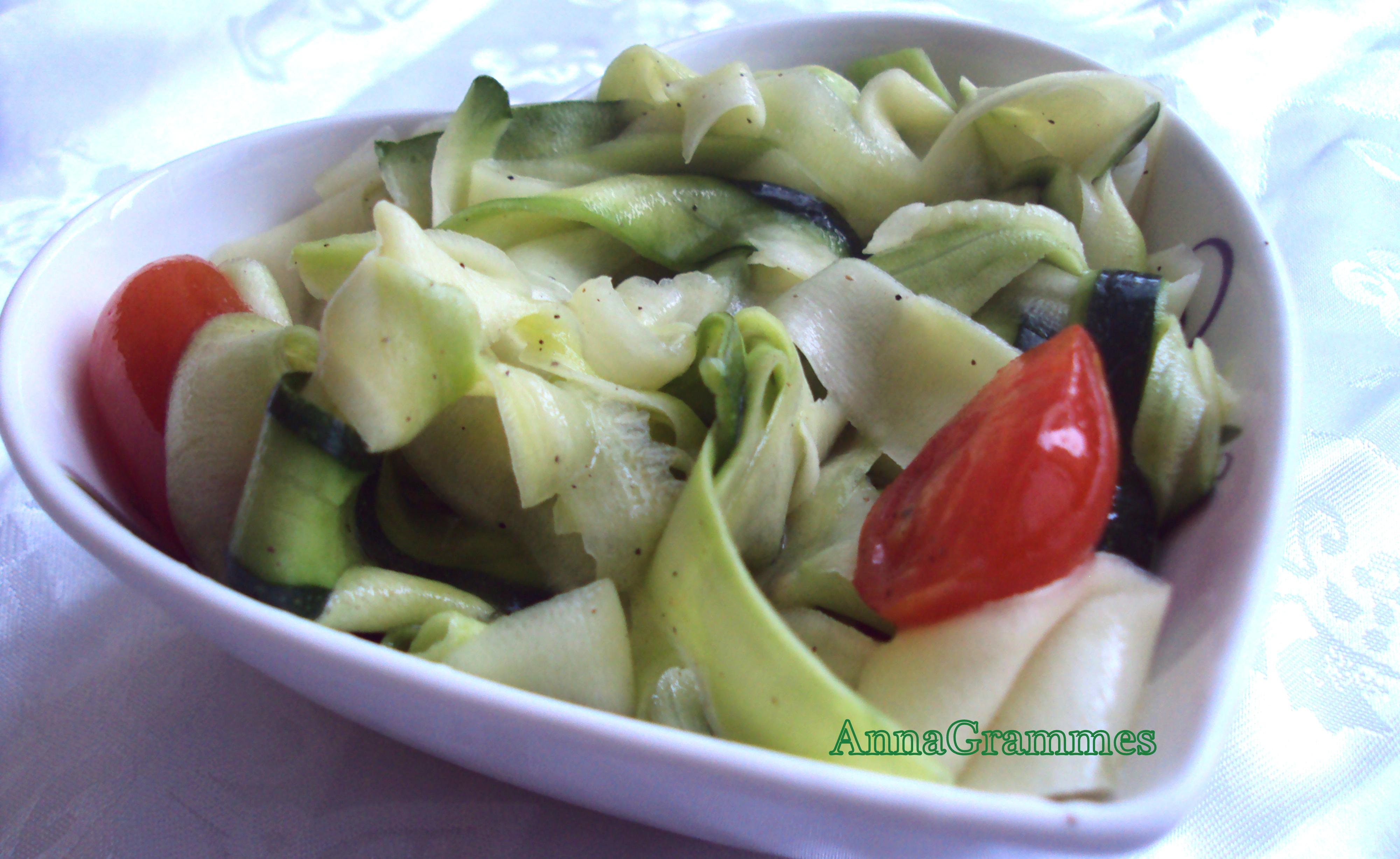 salade de courgettes crues annagrammes cuisine familiale d licieusement casher. Black Bedroom Furniture Sets. Home Design Ideas
